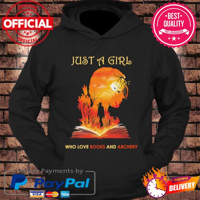 Just a girl who love books and archery s hoodie Black